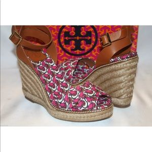 New! Tory Burch pink frog espadrille wedge